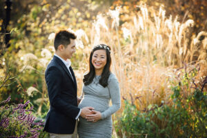 Pregnancy photoshoot ideas - garden maternity photos in Melbourne's Canterbury Garden